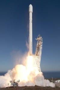 Falcon 9 v1.1 rocket liftoff