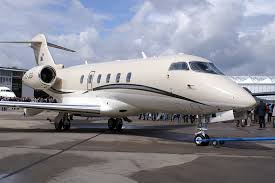 Bombardier Challenger 300 business jet Wikimedia Commons