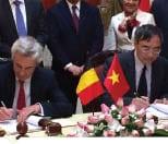 Dignitaries signing VNREDSat 1b agreement. Credit: Spacebel