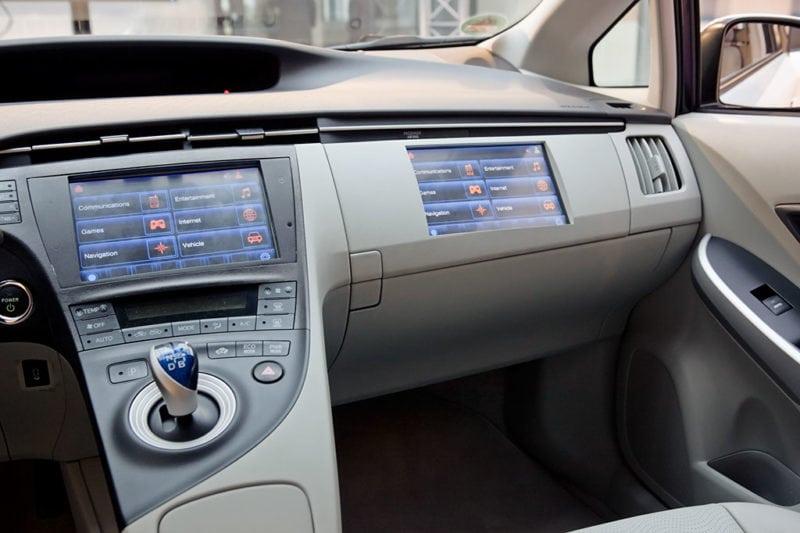 Connected Car M2M IoT