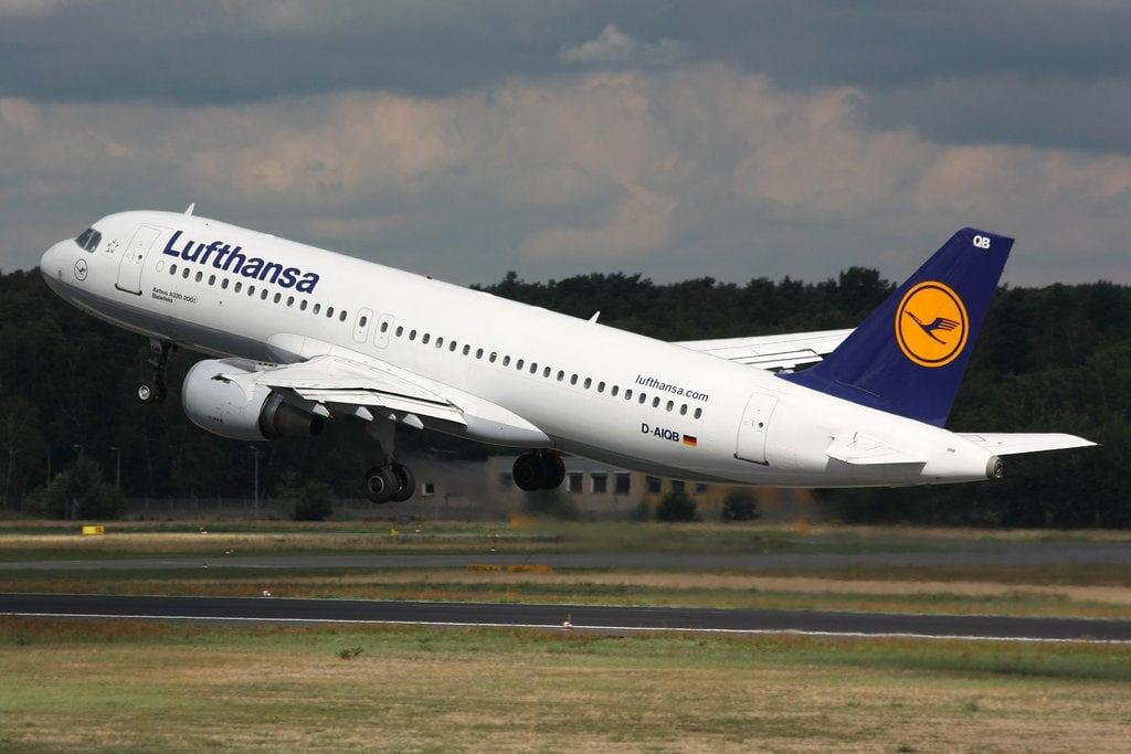 A Lufthansa A320 taking off