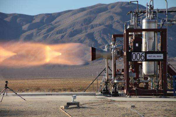 Hot-fire tests on two Launch Abort Engines for Boeing's CST-100 Starliner service module propulsion system. Photo: Aerojet Rocketdyne