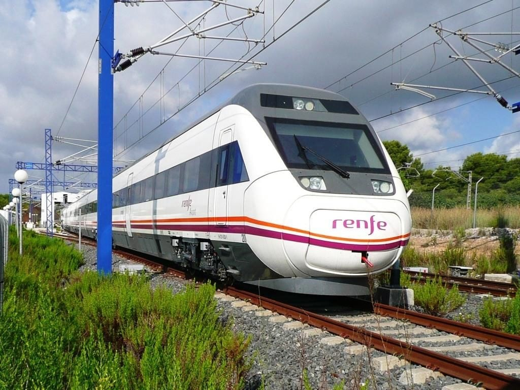 Spain's Renfe high-speed train will be equipped with Gilat satellite internet. Photo: Wikimedia