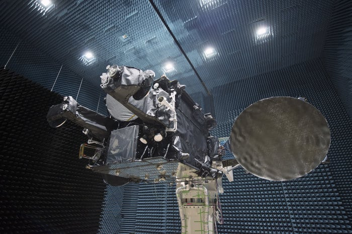 Radiated Test Campaign in ADS Compact Test Range for SmallGEO/Hispasat 36W-1.