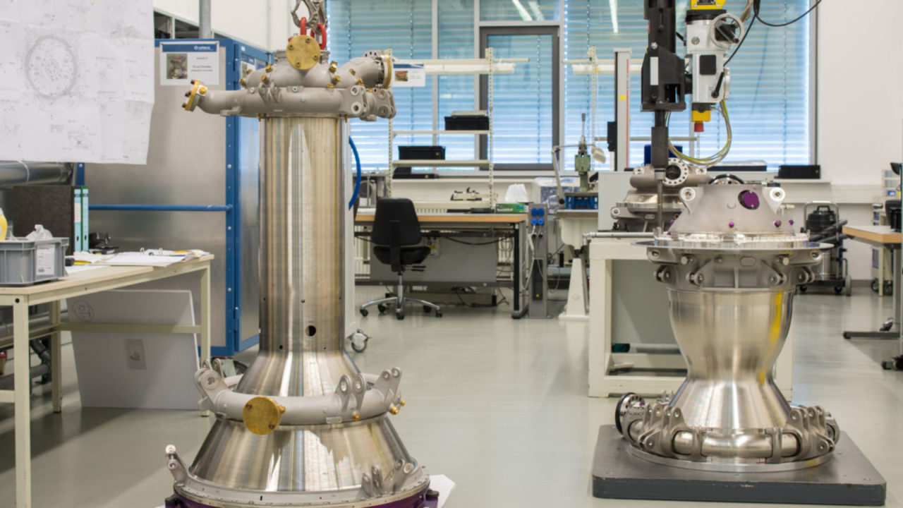 Production and tests of the first flight model for the VINCI engine combustion chamber, in Ottobrunn, Munich. Photo: Arianegroup.