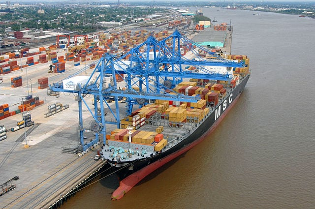 A container ship docks at the Napoleon Avenue terminal at the Port of New Orleans. Photo: Wikimedia.