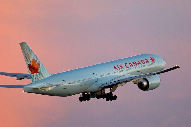 An Air Canada Boeing 777-200LR takes off from Toronto, Canada. Photo: Flickr/BriYYZ.