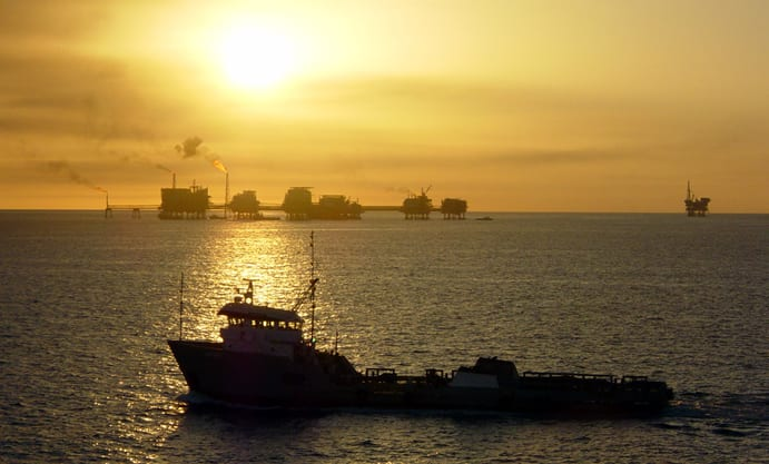 Ships and oil rigs in the Gulf of Mexico. Photo: Wikimedia.
