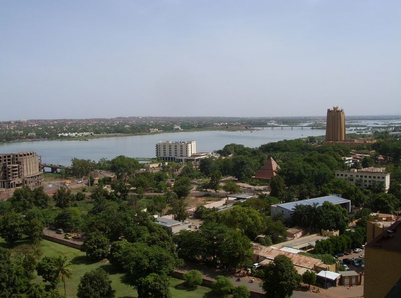 Bamako, Mali, with Pont du roi Fahd in the background. Photo: Wikimedia.