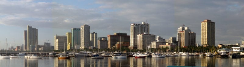 A panorama of the Manila skyline, taken from Harbour Square. Photo: Mike Gonzalez / Wikimedia Commons