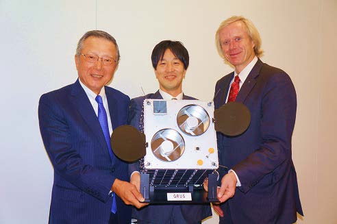 JSAT's Shinji Takada, Axelspace's Yuya Nakamura, KSAT's Rolf Skatteboe (left to right). Photo: SKY Perfect JSAT