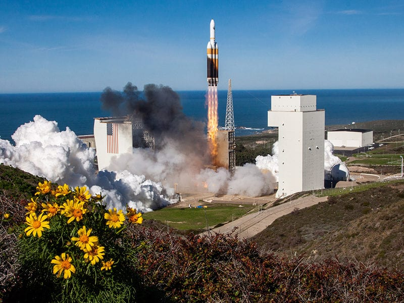 A ULA Delta IV Heavy rocket lifting off on Jan. 19, carrying the NROL-71 payload. Photo: ULA