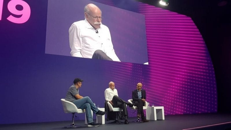 Daimler CEO Dieter Zetsche and Microsoft CEO Satya Nadella talk about the transformation of their companies - and want to work together more in the future. (Photo: Gerster)