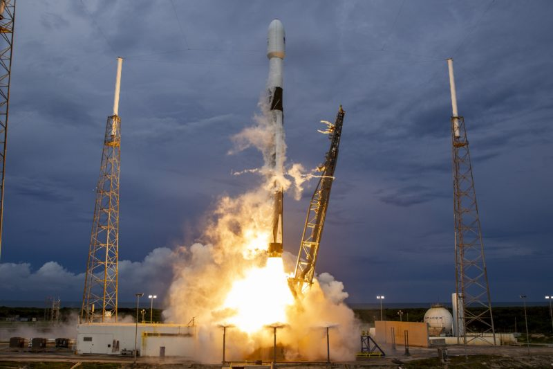 A SpaceX Falcon 9 rocket lifting off, carrying Boeing's Amos-17 satellite. Photo: SpaceX